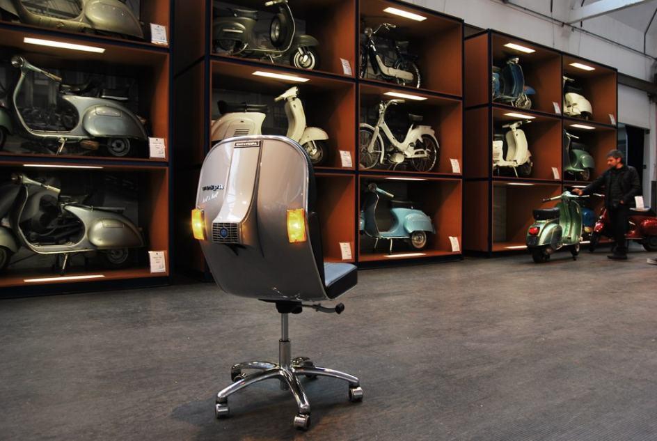 La silla BV-12, en Italia. La silla B-12 creada por Bel&Bel forma parte del Museo Piaggio Giovanni Alberto Agnelli en Pontedera (Italia).