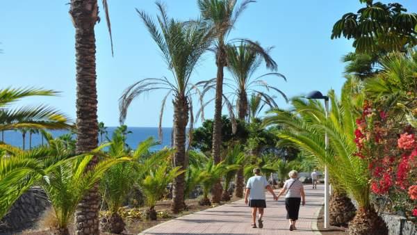 Paseo en la Caleta de Adeje, Tenerife.