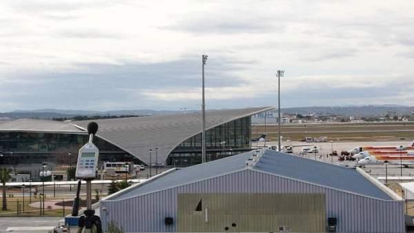 Les 'low cost' pugen a la Comunitat Valenciana un 18,9% la seua xifra de passatgers al gener, amb 324.708