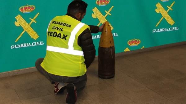 La Guardia Civil neutraliza un proyecto en una vivienda en Ponteareas