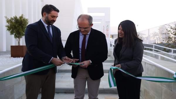 Inauguración de un complejo deportivo en Arahal