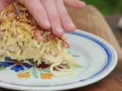 Tarta de espaguetis carbonara