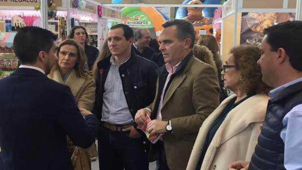 El presidente del PP de Sevilla, Juan Bueno, en El Viso del Alcor