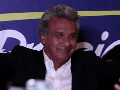 Lenín Moreno ganaría los comicios en Ecuador, según sondeos