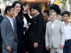 Angelina Jolie reaparece en Camboya junto a sus hijos