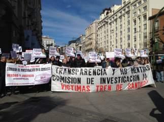 Plataforma de Víctimas del Alvia frente al Congreso