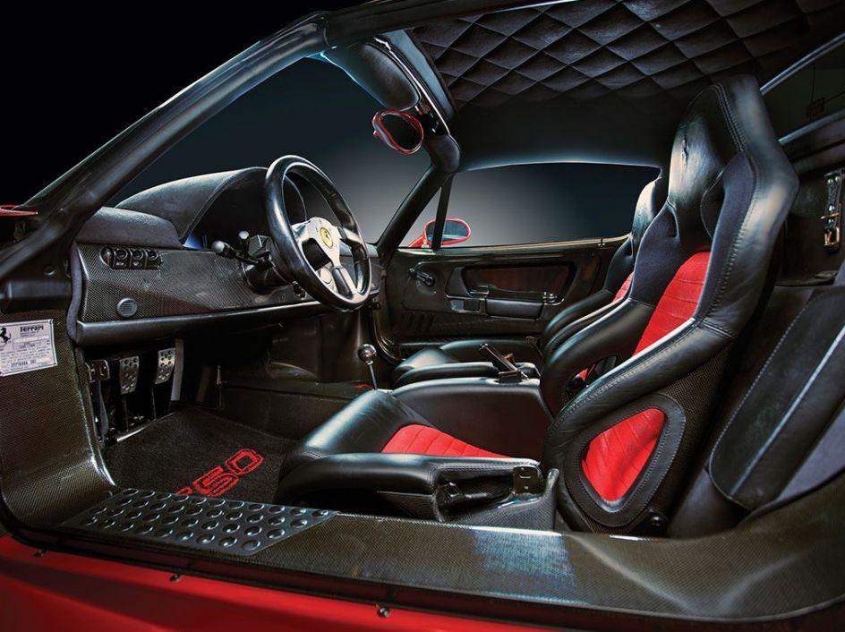 Interior del Ferrari de Mike Tyson