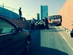 Detienen a tiros al conductor de un camión de butano que circulaba por la Ronda de Barcelona