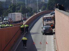 Detenido a tiros un camión de butano en Barcelona
