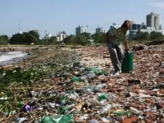 Playa, contaminación, plásticos