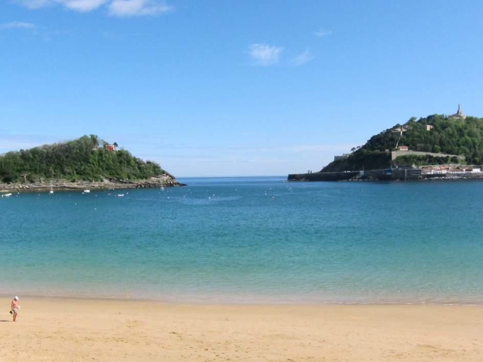 La playa de la concha de san sebasti n es la sexta mejor del mundo y la mejor de europa seg n - Fotos de hamacas en la playa ...