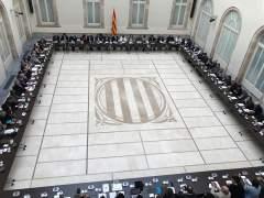 Puigdemont, Colau, y Pablo Iglesias con el manifiesto del Pacte pel Referéndum