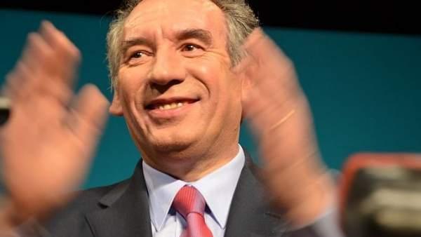 François Bayrou se retira de las elecciones francesas