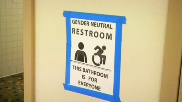 Los niños transexuales no podrán elegir baño en EE UU