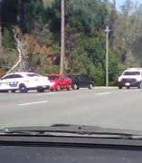 El descarado vacileo de un conductor a la policía