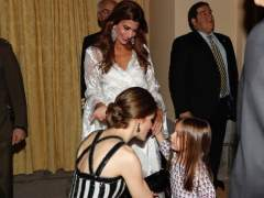 La hija de Macri saludó a la reina Letizia en pijama