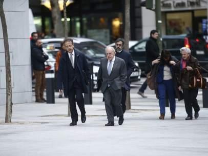 Jordi Pujol y Marta Ferrusola llegando a la Audiencia Nacional.