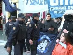 "El grupo de ultraderecha Hogar Social ""okupa"" la antigua sede del Banco de Madrid"