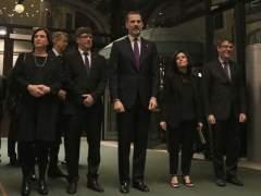 El rey y Carles Puigdemont en la cena de bienvenida del Mobile.