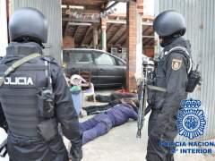 Detienen en Reus a cinco narcos que producían cocaína en una nave industrial