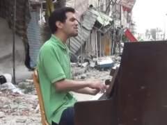El pianista que tocó en un campo de refugiados actuará en Barcelona
