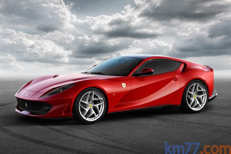 Ferrari 812 Superfast. ElFerrari 812 Superfast será el sustituto del F12, que conservará su configuración de motor V12 delantero y tracción a las ruedas traseras. Alcanzará los 800 caballos a 8.500 rpm.
