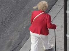 Anciana, bastón, mujer mayor, ancianos, anciano