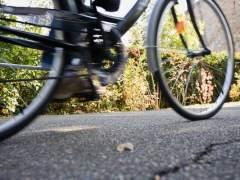 Un ciclista dispara ácido a la cara de una joven en Berlín