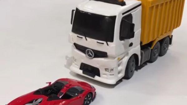 Este camión teledirigido esconde una sorpresa