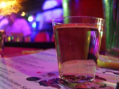 Un joven muere tras beber sin parar una botella de tequila en una discoteca en R.Dominicana