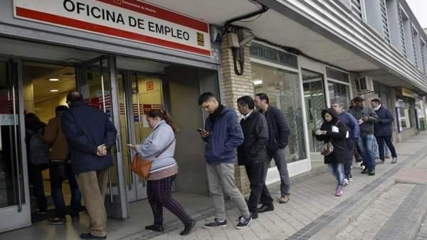 El paro baja en 154 personas en febrero en galicia hasta for Oficinas inem coruna