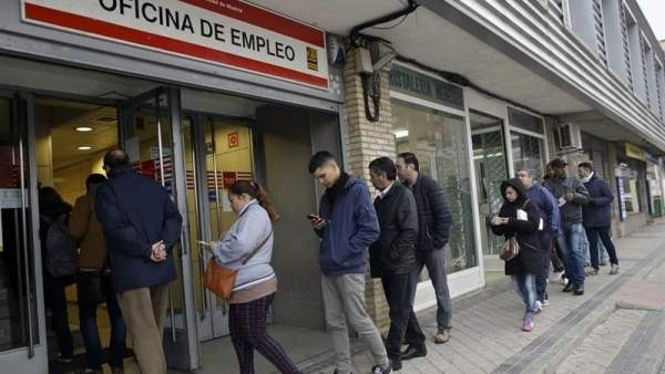 Estos son los requisitos para optar a la ayuda de 426 for Oficina de empleo madrid