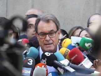 Artur Mas, haciendo declaraciones.