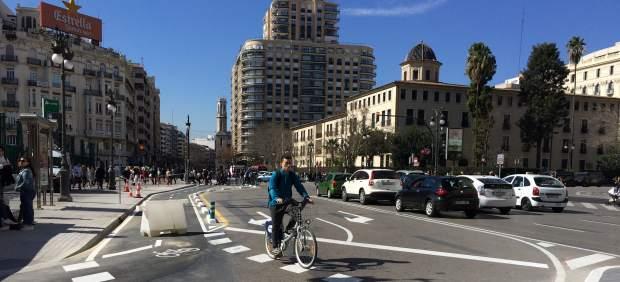 El tráfico se desvía del centro hacia las rondas tras la apertura del anillo ciclista en València