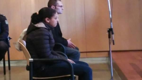 Padres de niño muerto maleta en Oviedo