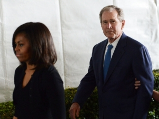 Michelle Obama y George Bush