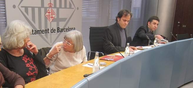Jaume Asens con tres hermanas de Puig Antich y David Bondia