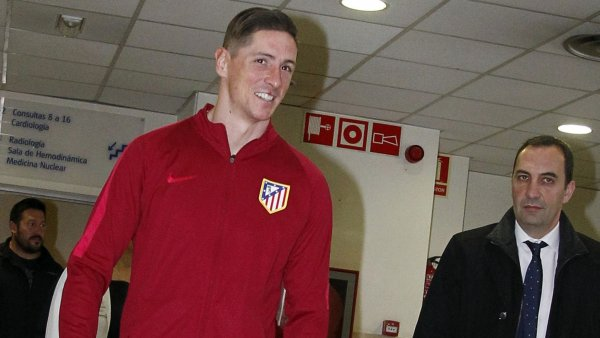 Fernando Torres recibe el alta y abandona el hospital