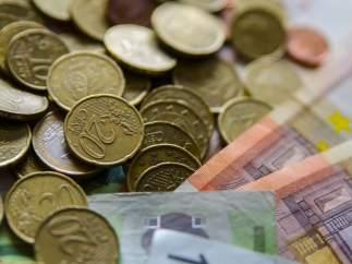 Monedas, moneda, billete. Billetes, euro , euros, capital, efectivo, metálico.