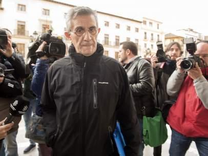 Padre Román, caso Romanones