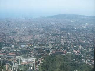 Vista de Barcelona desde Collserola donde se ve la contaminación.