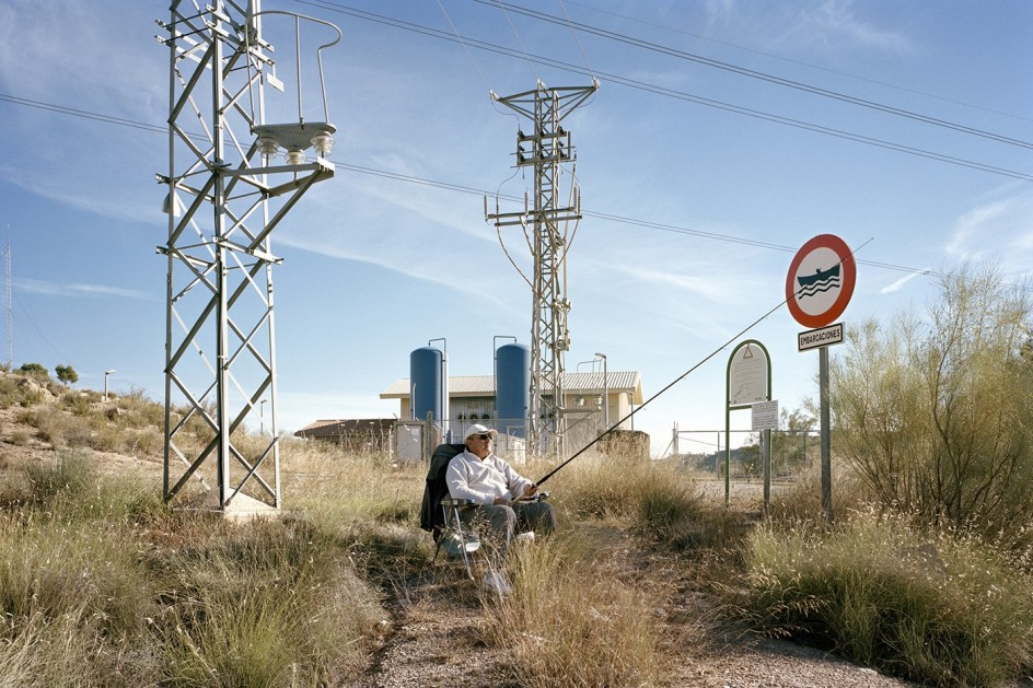 Txema Salvans (*1971) - The Waiting Game, 2014  . Foto del documentalista catalán Txema Salvans