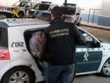 Detenido trasladado por la Guardia Civil