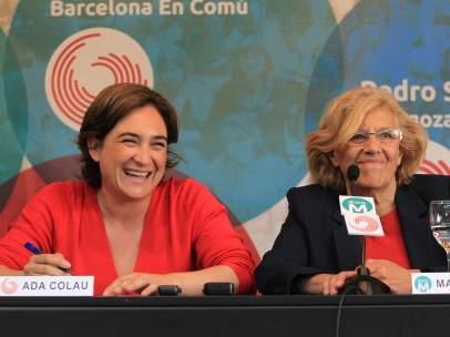 Las alcaldesas de Barcelona y Madrid, Ada Colau y Manuela Carmena.