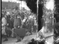Henryk Ross - Ghetto police escorting residents for deportation, 1942-44