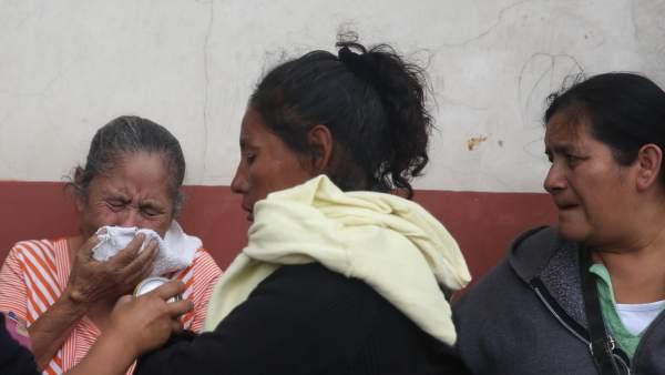 Familiares de las niñas muertas en un incendio en un centro de menores