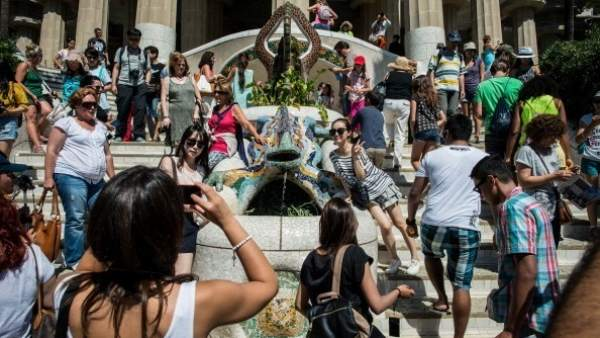 ¿Que por qué los barceloneses están hartos del turismo? Diez razones que lo explican