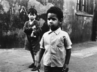 Roger Mayne - Two boys in Southam Street, London, 1956