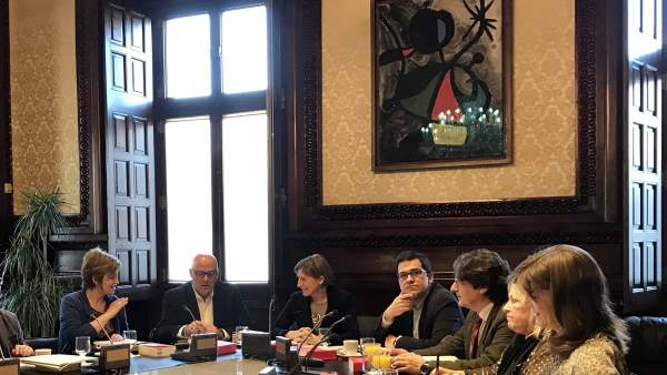 Mesa del Parlament de Catalunya.