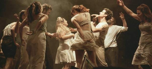 Representación de la obra 'Danzad malditos' en las Naves del Matadero